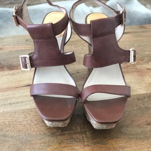 Cute like new Vince Camuto wedge sandals.